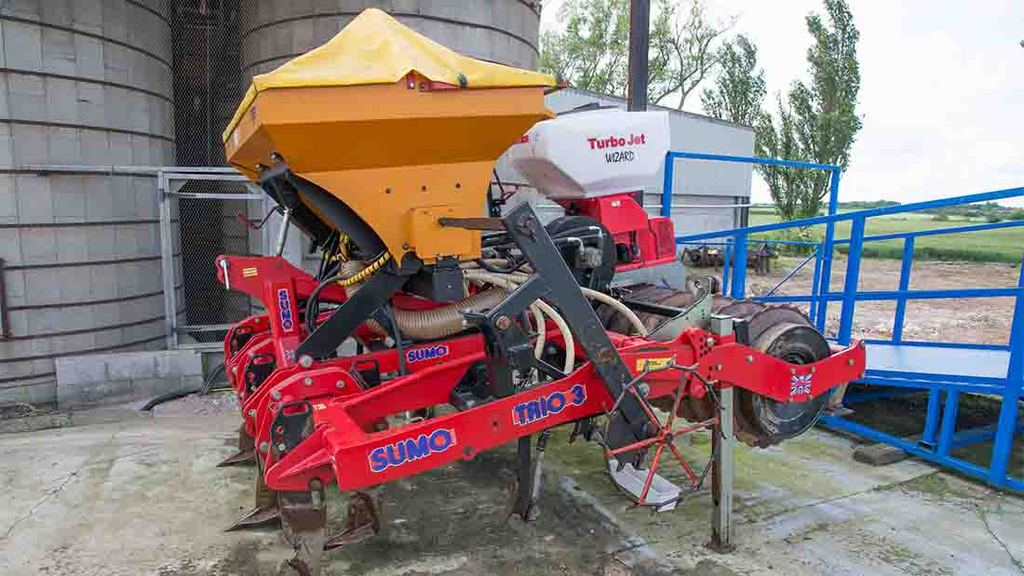 Low disturbance multi-use drill scoops machinery award for young arable farmer