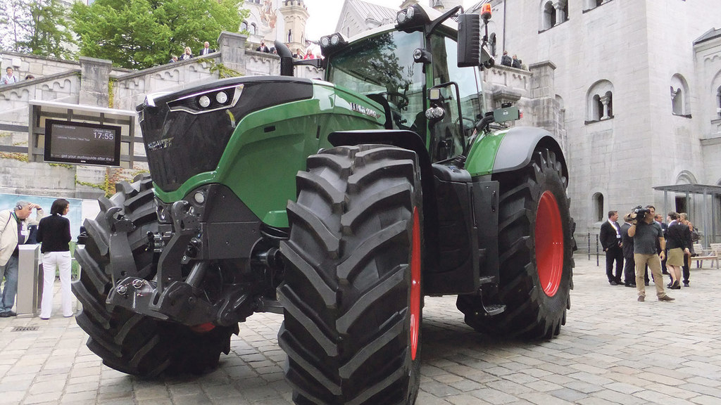 Versatility the aim of the game with new Fendt 1000 Series tractor