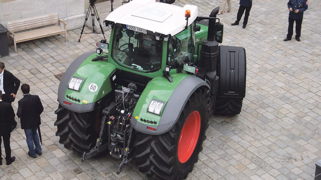 versatility the aim of the game with new fendt 1000 series