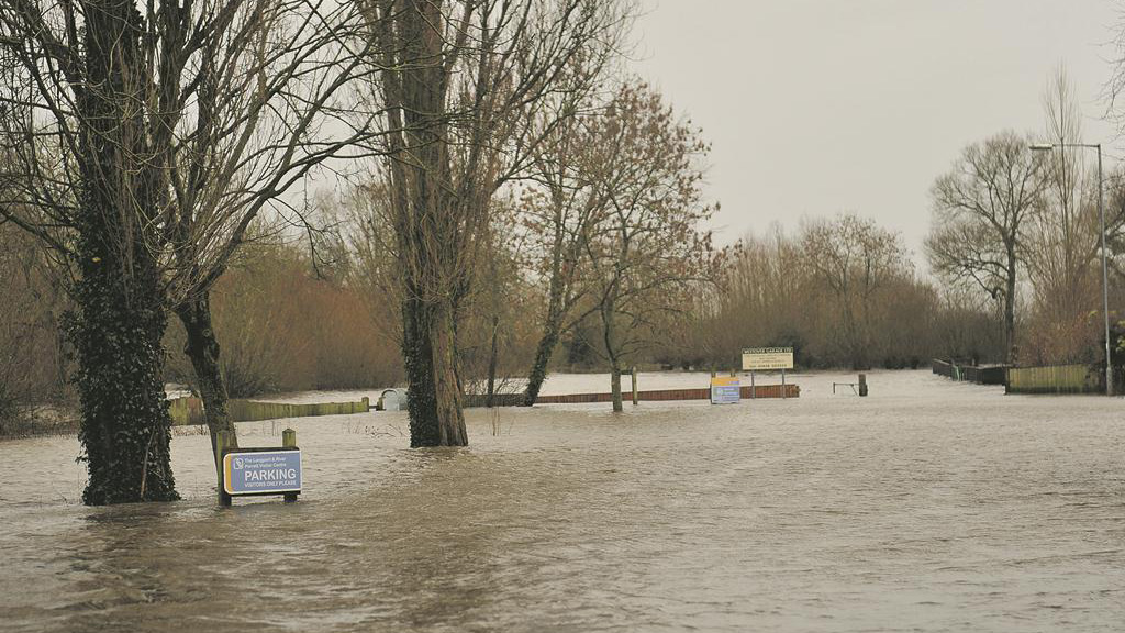 Government pressured to act now to prevent future flooding
