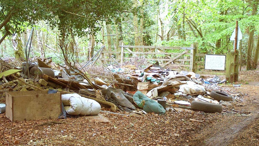 Farm fly-tipper gets off scot-free due to data protection rules
