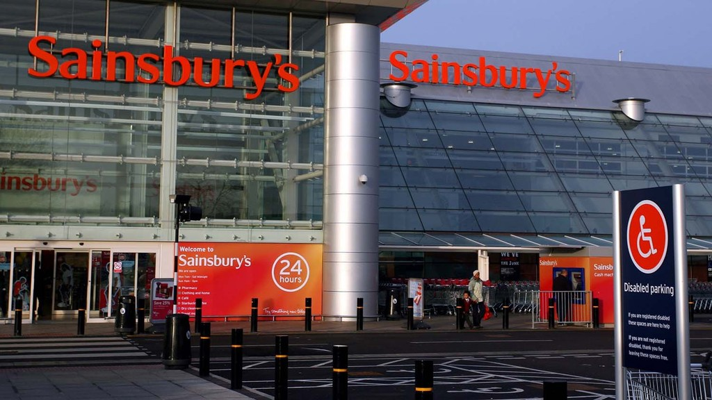 NFU pushes Sainsbury's to put Red Tractor logo back on its food packaging