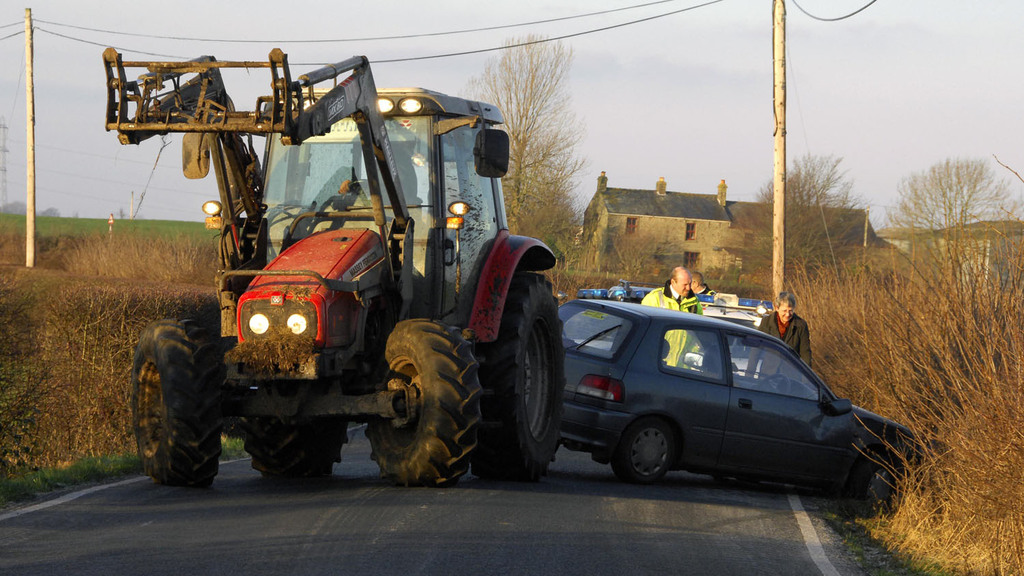 Survey highlights dangerous driving on rural roads