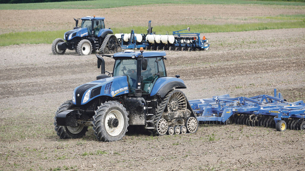 New Holland Tractor People : New holland celebrates years of tractor production at