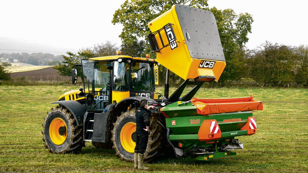On Test: JCB goes back to go forwards with new Fastrac 4000 Series