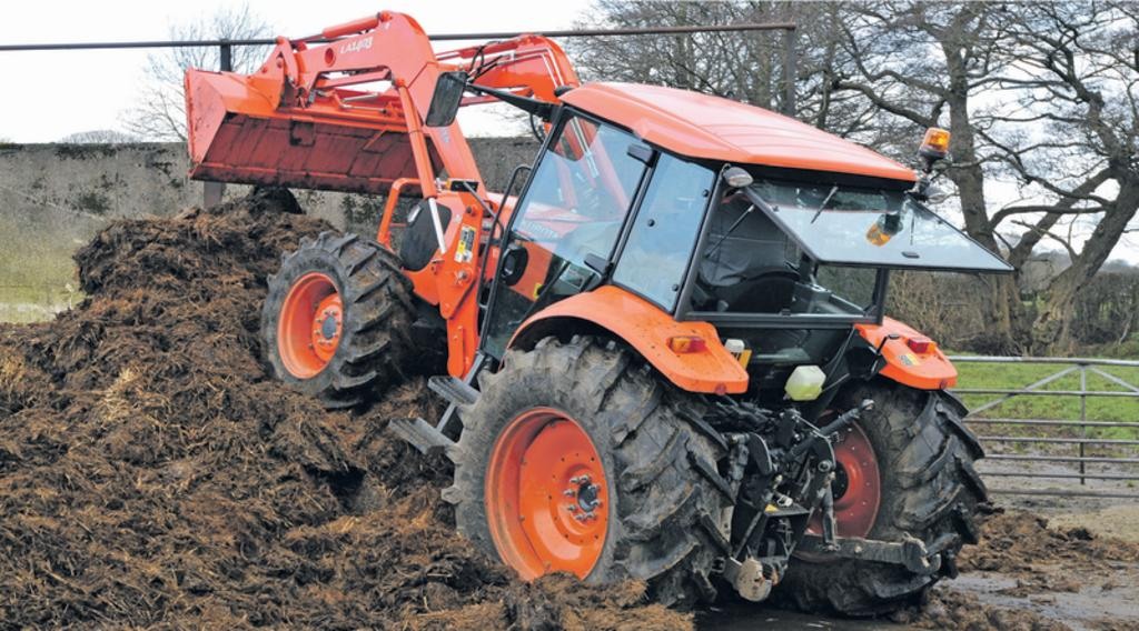 On test: Kubota M108S tractor / Kubota LA 1403 loader