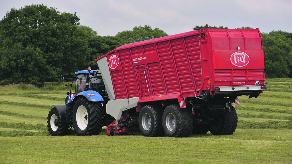Despite its large proportions the Lely is surprisingly agile both in the field and around the yard.