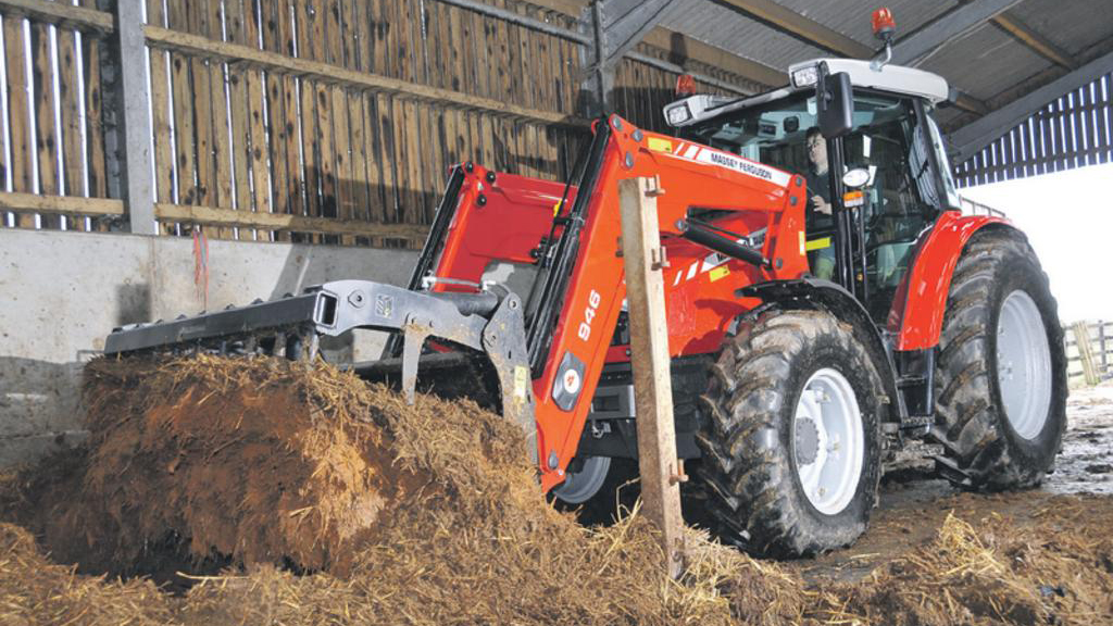 On test: Massey Ferguson 5455 tractor / Alo MF 946 loader