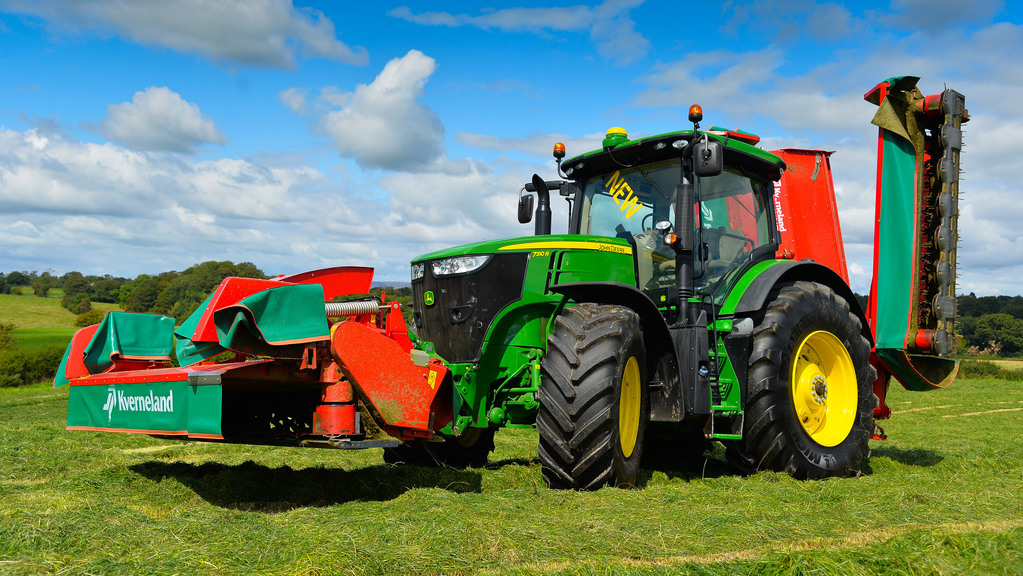 John Deere catches up the competition with introduction of e23