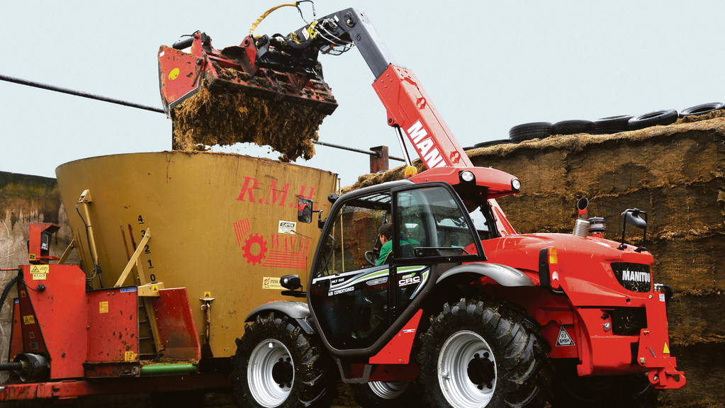 Due to its compact dimensions, the MLT 629 is perfectly suited to livestock farms.