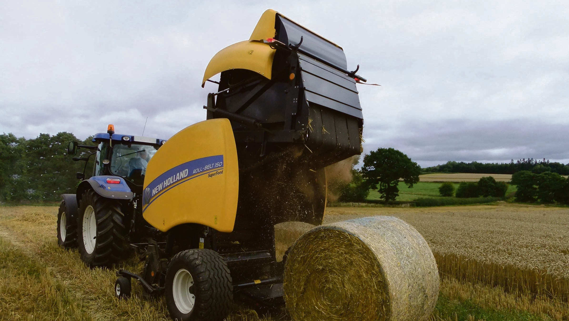 On test: New Holland's latest variable chamber round baler
