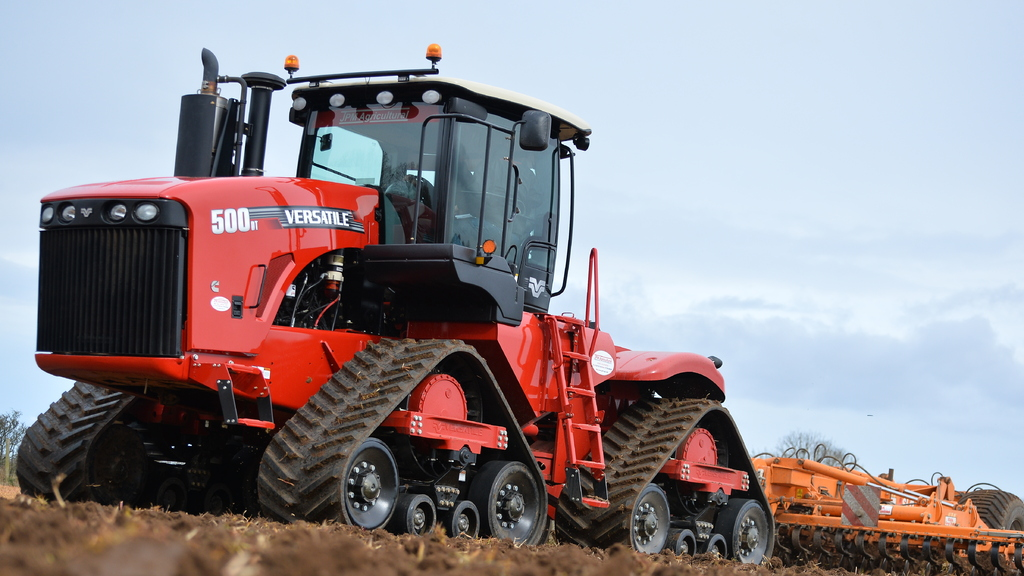 On test: Versatile back with new Delta Track tractor