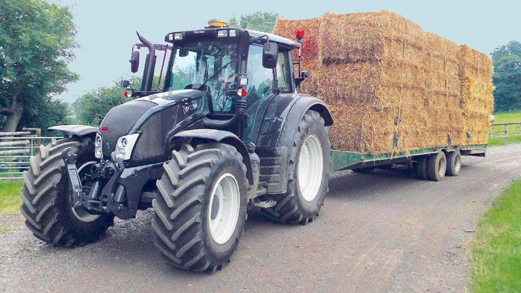 On test: Valtra N163 - Good performance with looks to match