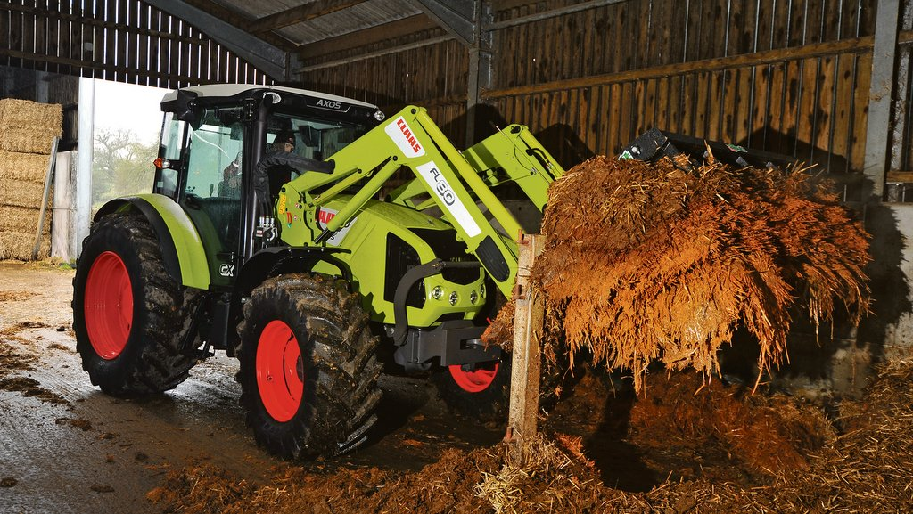 On test: Claas Axos 340 CX with MX FL 80 loader