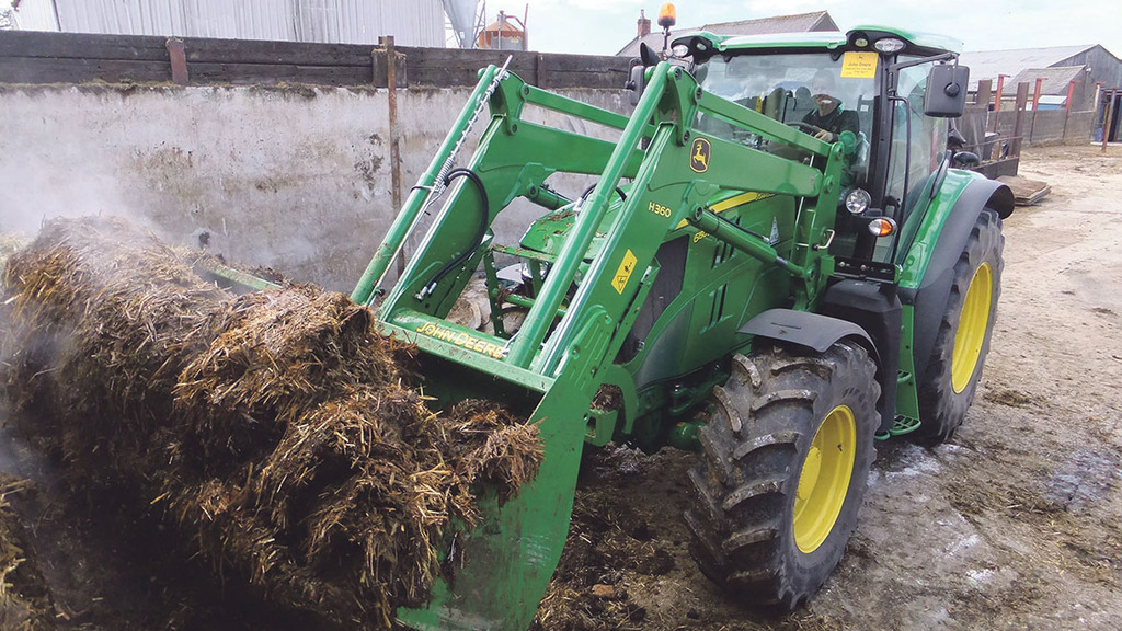 John Deere's new 6150R loader