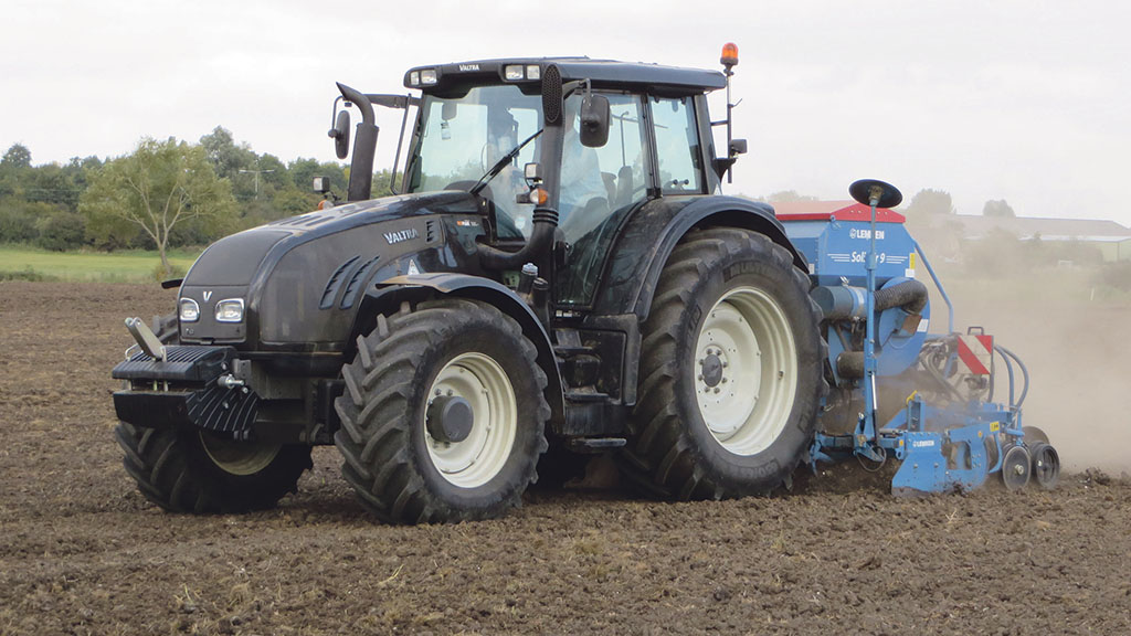 Farm focus: Flexibility key to contractor's tractor buying decisions