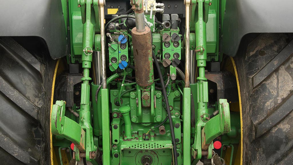 Buyer's guide: Buying a used John Deere 6930 tractor |FGinsight com