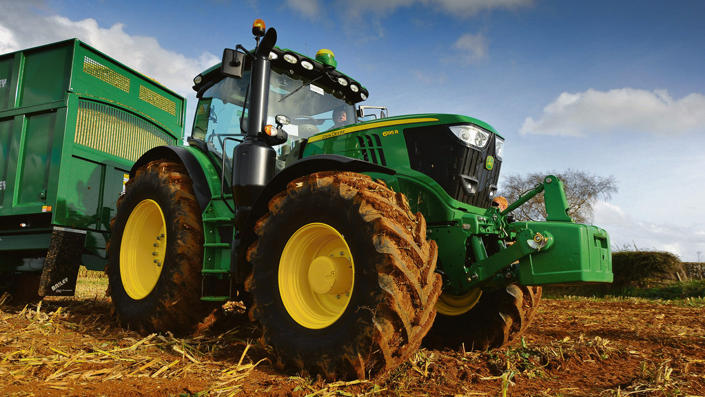 JOHN DEERE 6R SERIES SMALL AND MID-FRAME