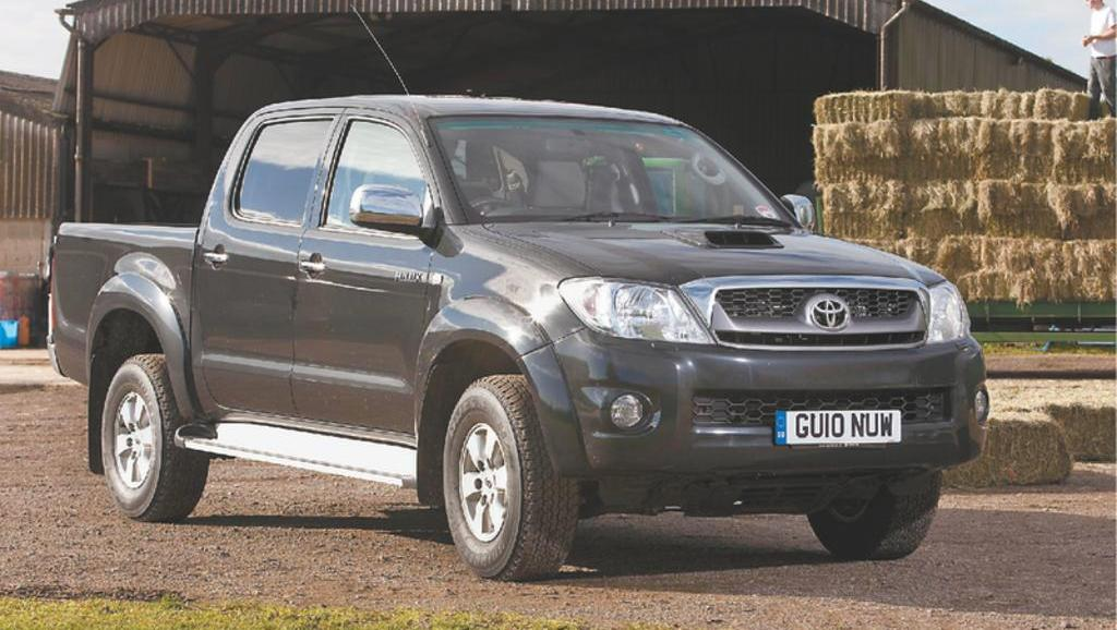On test: Toyota Hilux HL-3 Double Cab 2.5