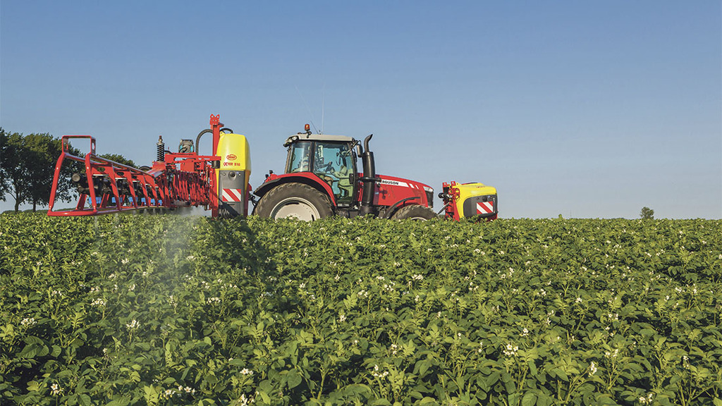 Upfront sprayer choice for Scots farming brothers