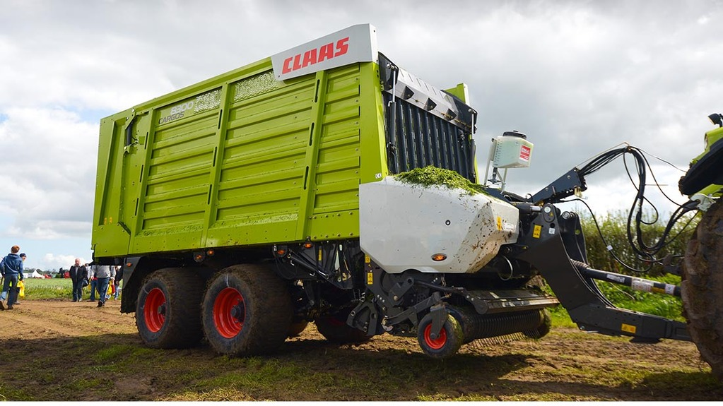 Claas Cargos 8000 Series forage wagon