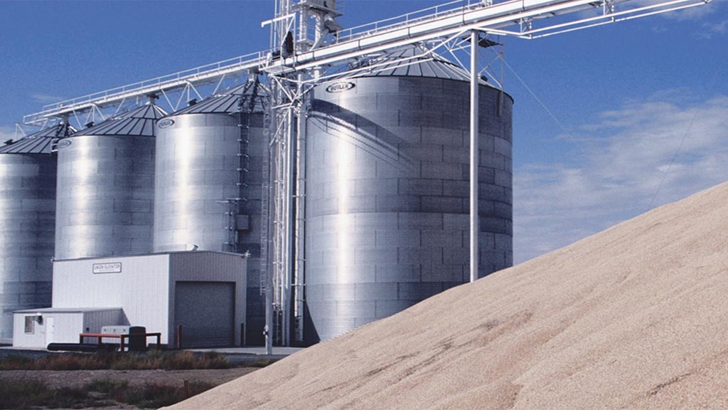 Pay extra attention to grain stores this winter