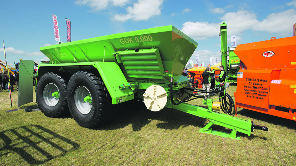 Ryetec Gustrower trailed spreader