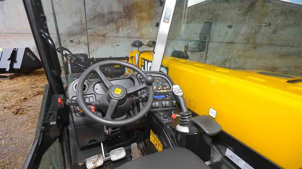 Cab and controls