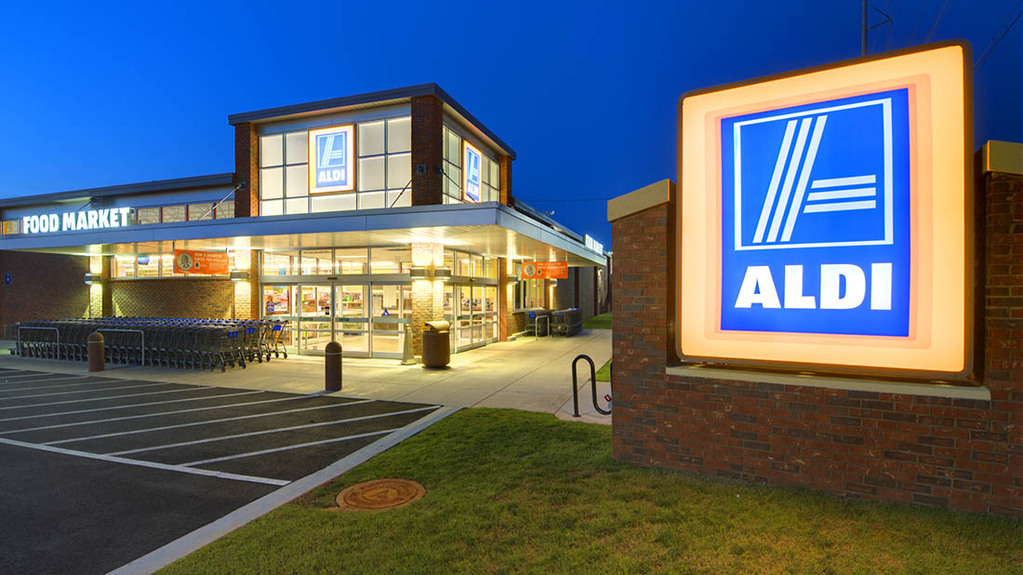 Aldi announces Arla liquid milk deal 'to work more closely with British dairy farmers'