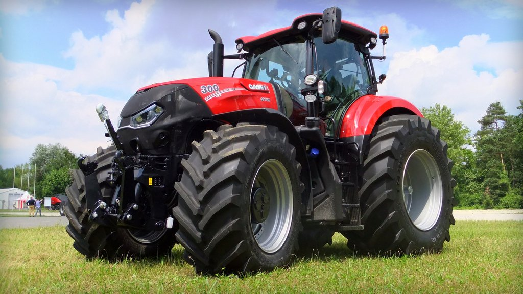 Case IH targets Deere and Fendt with new Optum tractor range
