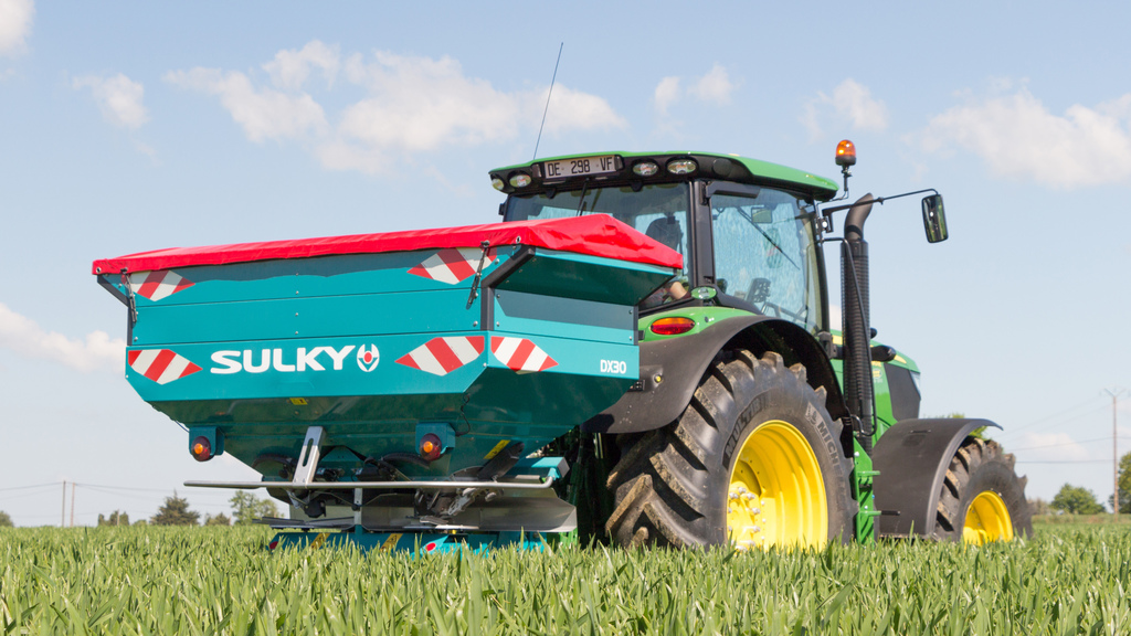 Farm machinery firm Reco to close next year
