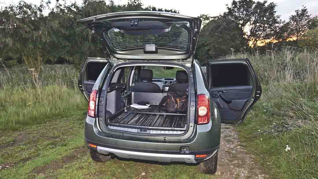 on test top value offered by dacia duster insights. Black Bedroom Furniture Sets. Home Design Ideas