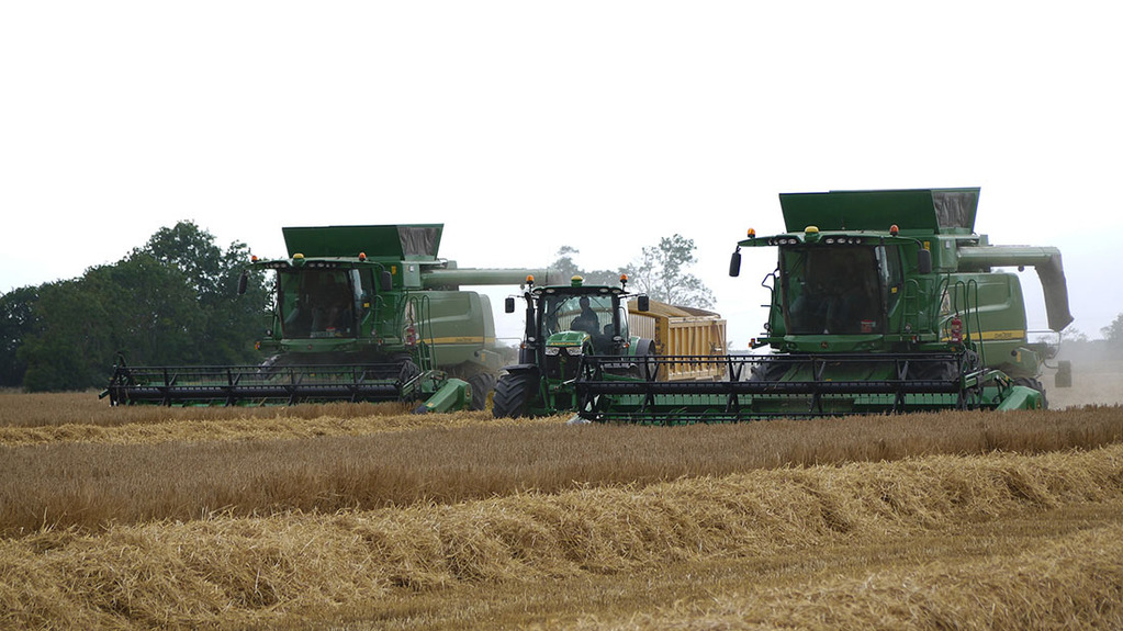 Two headers prove better than one for Diss grower