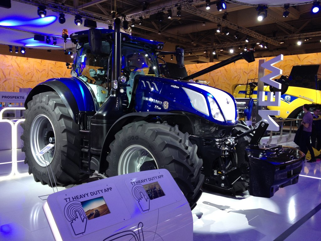 Agritechnica 2015: Tractor and loader launches