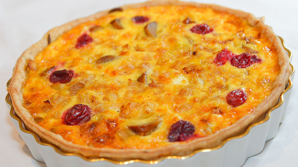 Turkey, sausage and cranberry quiche