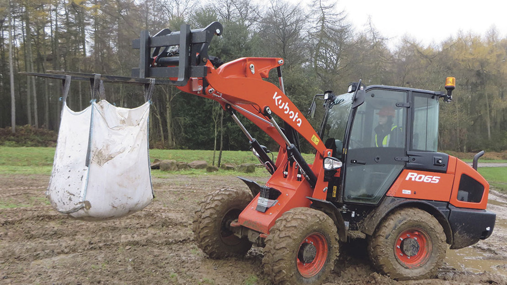 Kubota launches wheeled loaders