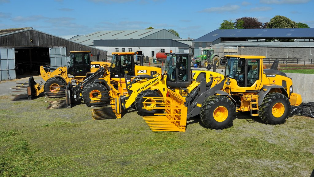 Monster movers on-test: Four wheeled loaders tested against each other