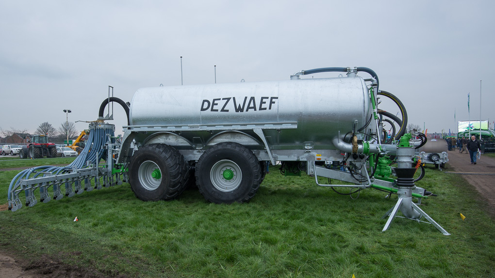 Dezwaef slurry tankers