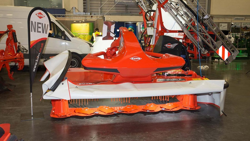 Kuhn front-mounted disc mower conditioner