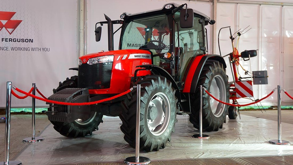 Massey Ferguson 4700 Global Tractor