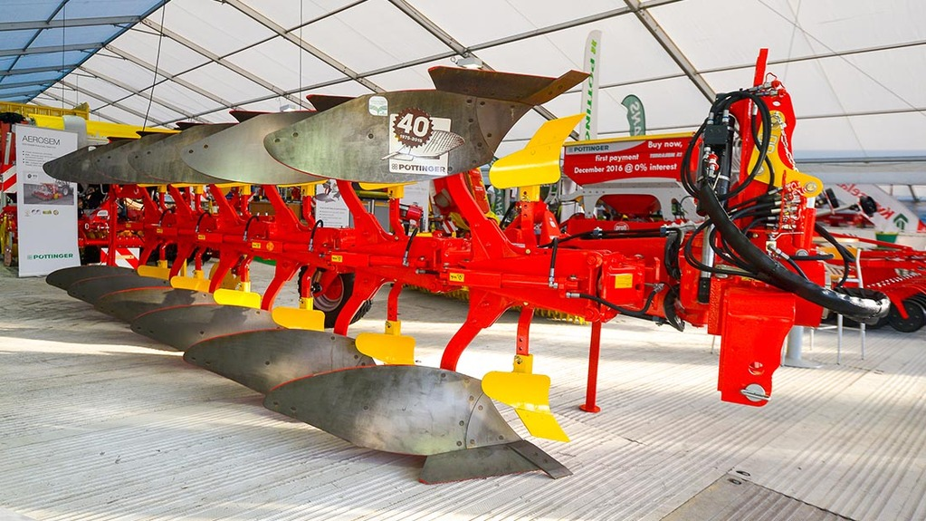 Pottinger Servo 45S plough