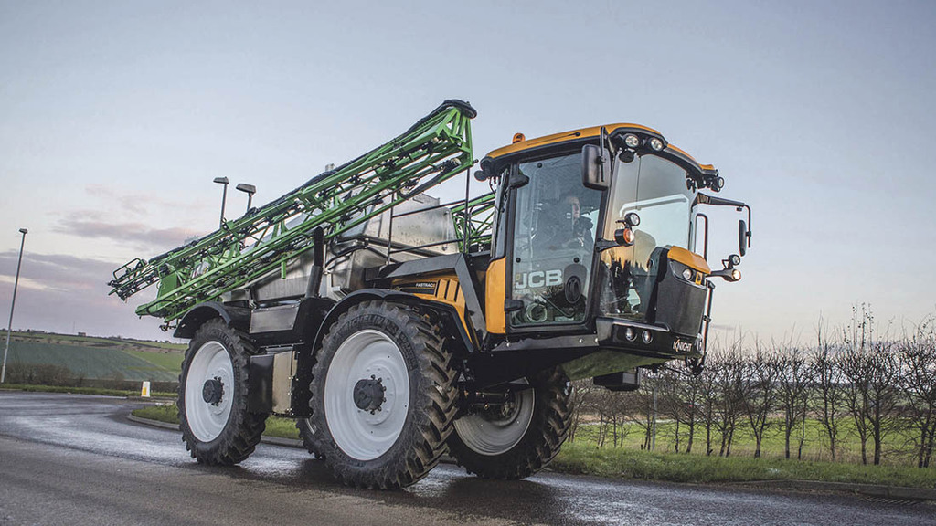 Spreaders and sprayers 2016: Knight Fastrac sprayer conversion explored