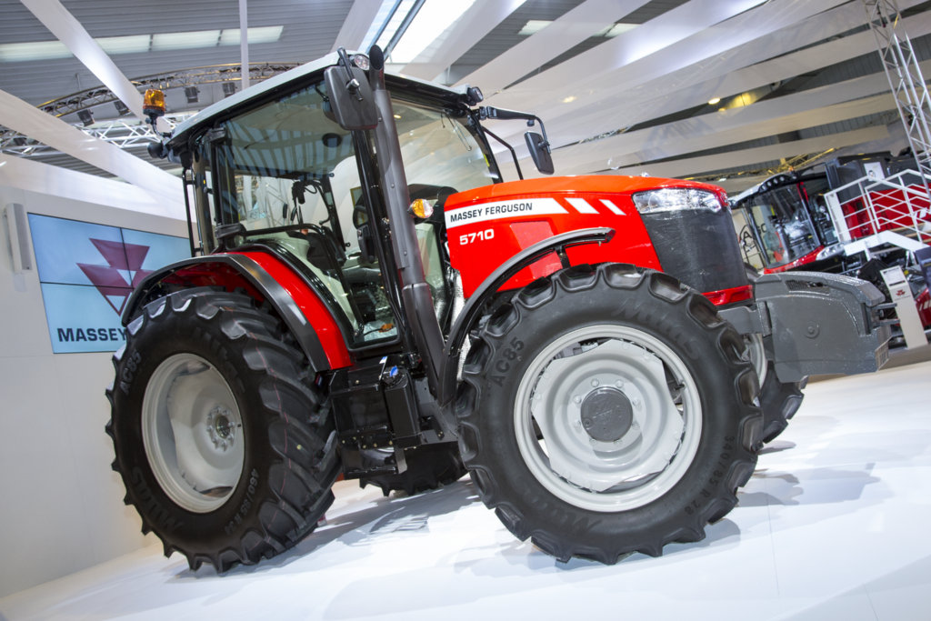 Massey Ferguson extends Global Series tractor offering