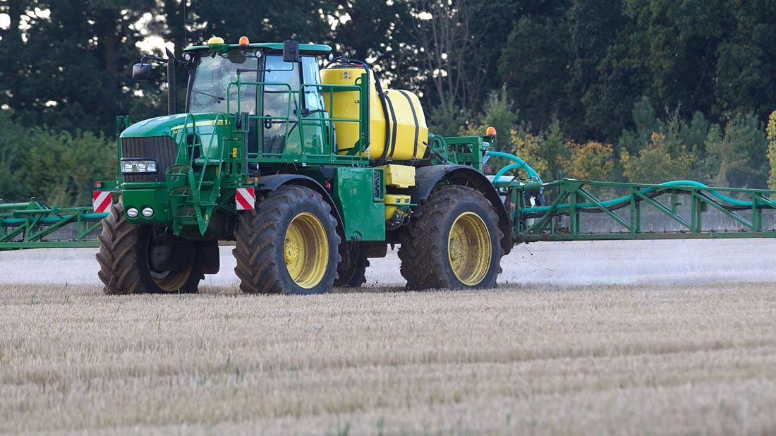 Top tips for stubble spraying to control grass-weeds