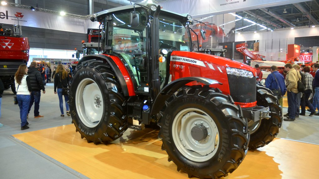 Massey Ferguson completes Global Series tractor family