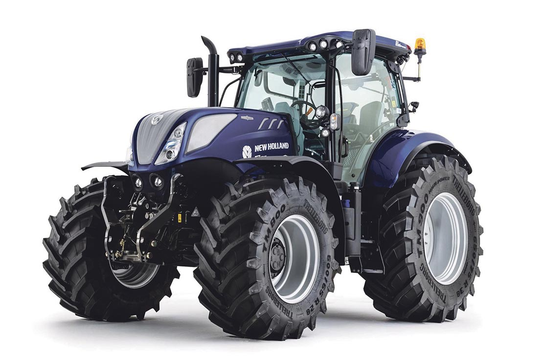 Lamma comp winner receives free tractor for 12 months