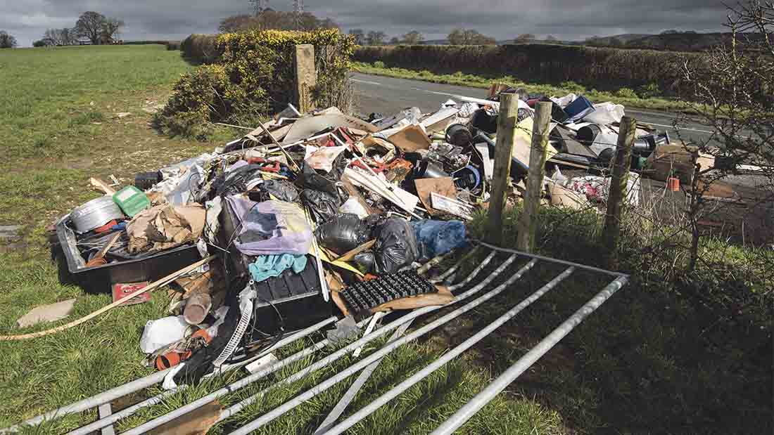Government to impose £400 fines for 'man and van' fly-tippers