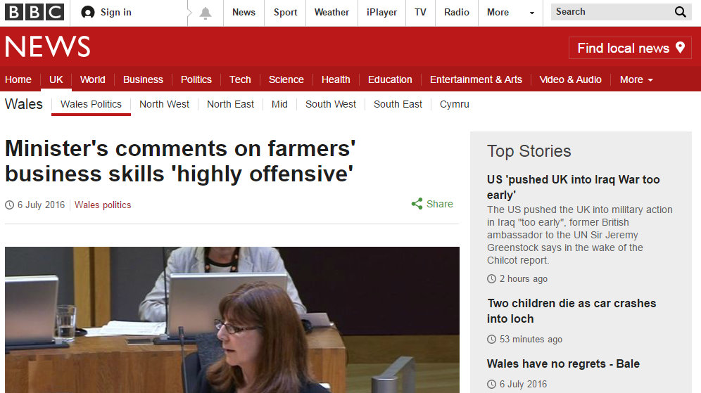 Minister's comments on farmers' business skills 'highly offensive'