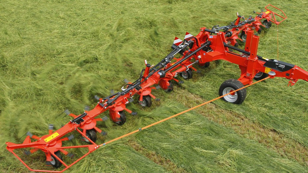 Kuhn updates its king-sized tedders