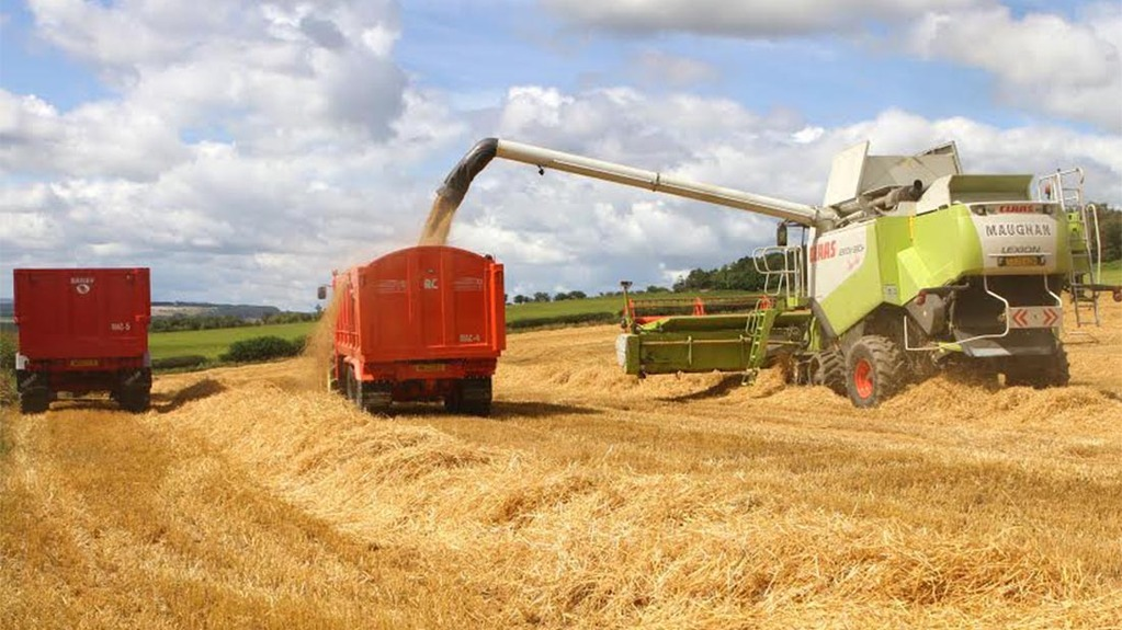 Maughan contractors cutting barley in Northumberland by Mick Vardy